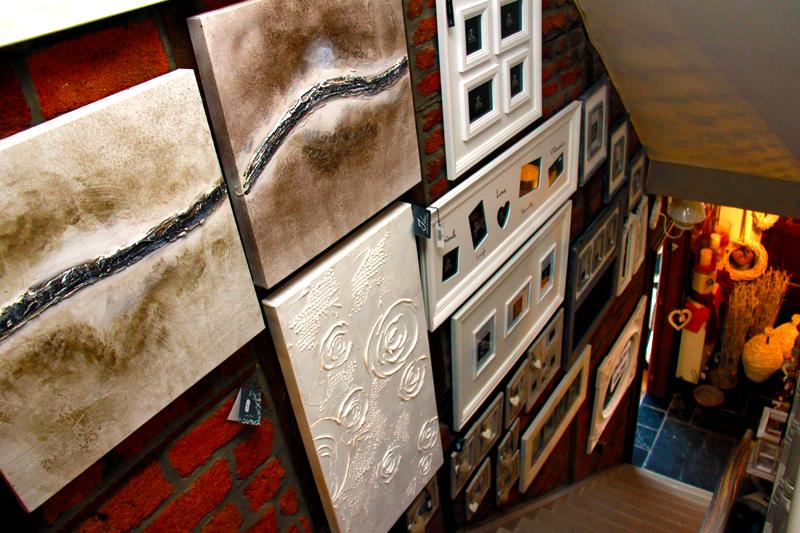 Nombreux articles de décoration pour styliser votre intérieur  Le ...